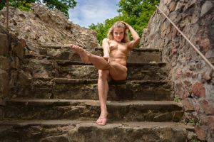 Lea on the stairs by gb62da