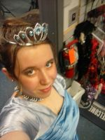 Do I look Queen or Princess?? by LoonataniaTaushaMay