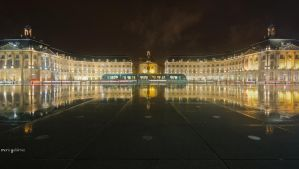 Le miroir - Bordeaux by MarioGuti