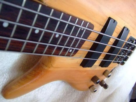 soundgear lefty sanded by eclecticBassist