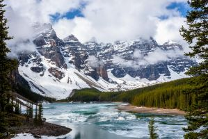 Moraine Lake by yluvatar