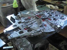Ultimate Lego Millenium Falcon by Gynandromorph
