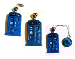 The TARDIS and the Time Vortex - necklace set by EruwaedhielElleth