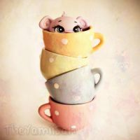 Cutiie hiden mouse by TheYamiiSa