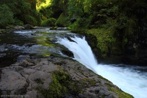 Eagle Creek Falls by worldtravel04