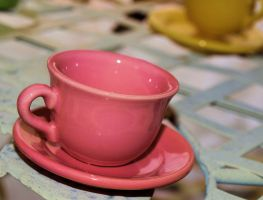 Pink cup by ujustwannabme