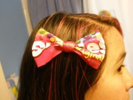Skittles Bow by Invader-Valo