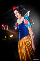 Snow White by fabiohazard