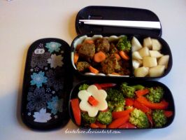 hazelnut burger bento by BentoLove