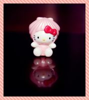 Hello Kitty  'Pink Clam' by bhere