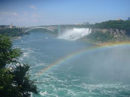 Niagara Falls With Rainbow by HarryIndulgence