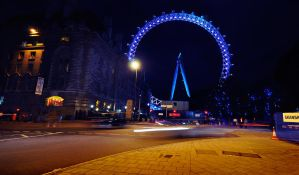 London Eye at night by dejz0r