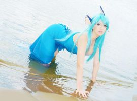 Vaporeon Cosplay (Gijinka ver.) Pokemon by usagiyuu