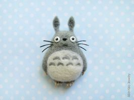 My Neighbor Totoro - brooch by allim-lip