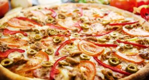 pizza with tuna by hitforsa
