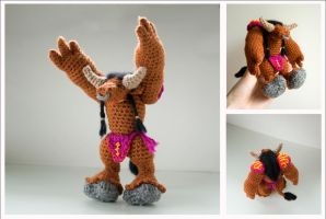 Crochet tauren from World of Warcraft: Collage by tinyAlchemy