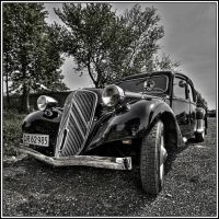 Citroen_Traction_Avant by Anubis-noise
