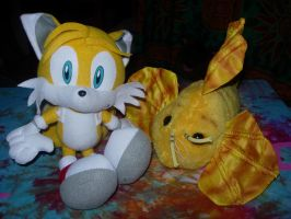 Tails And His Fish LOL by XxBlissTheHyenaxX