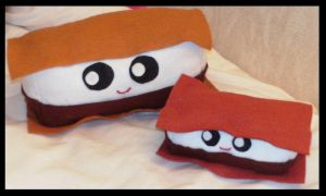 Smore plushies by Zelvyne