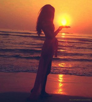 SUN in my hand by k-i-mm-i-e