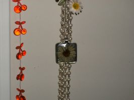 Handmade Daisy in Resin Pendant by cherrypotion27