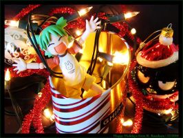 Yotsuba and Holiday Decorating by R-Kasahara