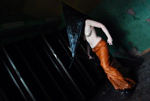 Silent Hill: Pyramid Head - Waiting in the dark by aggestardust