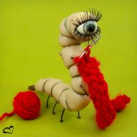 Knitting Curdle Worm by beatblack