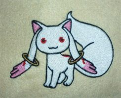 Kyubey embroidery by goiku