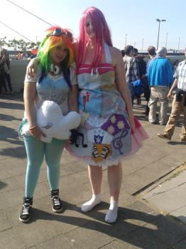 JapanDay 2014- Kawaii Cosplay by broken-Dark-Angel