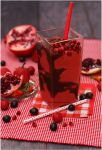 Strawberry Pomegranate Smoothie by theresahelmer
