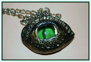 Green dragon eye by zelenaneman
