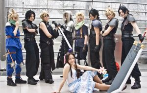 Final Fantasy 7 Cosplay Gruppe by Chal-chan