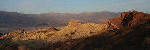 Magic hour in Death Valley by orographic