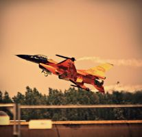 The Orange F-16 by Csipesz