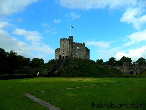 Cardiff Castle by TheLarii