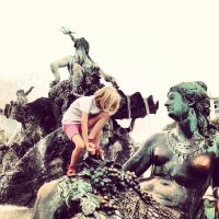 girl and the fountain by r0xyz3r0