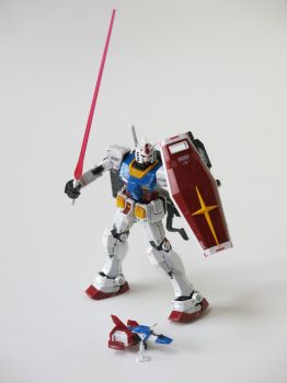 RX-78-2 Gundam Mobile Suit by kanyiko