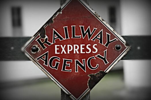 Railway Express by HEART-stops-BEATING