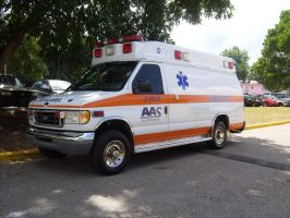 Ford E350 Ambulance by Mister-Lou