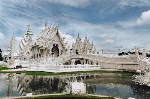 White temple by LoMiTa