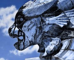 Gargoyle HDR 2009 by photoshoptalent