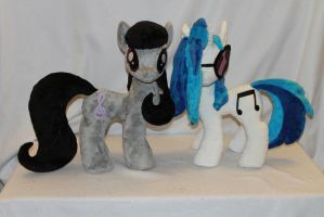 DJ Pony/Vinyl Scratch and  Octavia Plush by KarasuNezumi