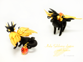 Baby Black Goldwing with lamp 2 by rosepeonie