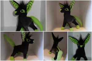 Disque Plushie by IckyDog