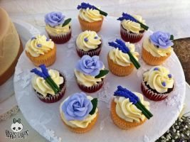 Roses and Lavender Wedding Cupcakes by Corpse-Queen