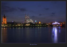 the blue hour by oetzy