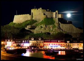 Mont Orgueil by moonlight by Lightfoot11