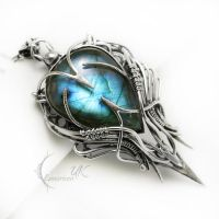 EQEERTIUM silver and labradorite by LUNARIEEN