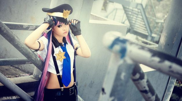 Stocking Police by amucchio